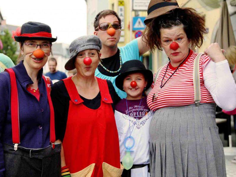 http://www.artcross.at/camp/wp-content/uploads/2013/11/clown800x600.jpg