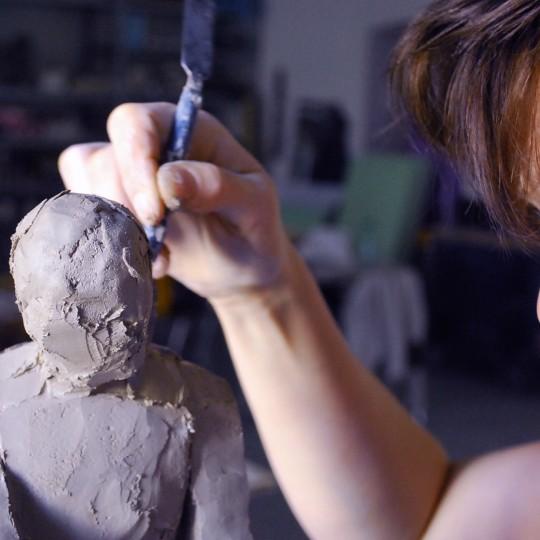 http://www.artcross.at/camp/wp-content/uploads/2016/02/Action-Skulptur-in-Ton-Mizzi-540x540.jpg