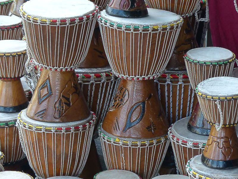 https://www.artcross.at/camp/wp-content/uploads/2013/11/djembe800x600.jpg