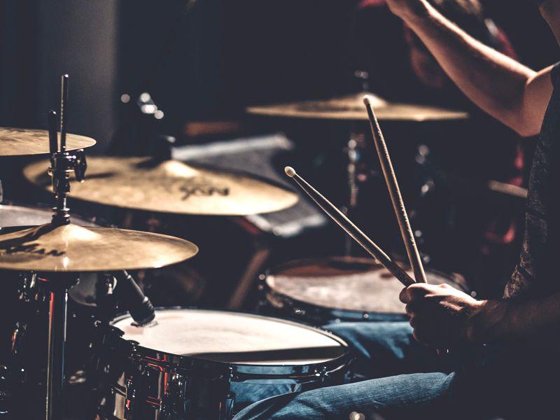 https://www.artcross.at/camp/wp-content/uploads/2013/11/drums-800x600.jpg