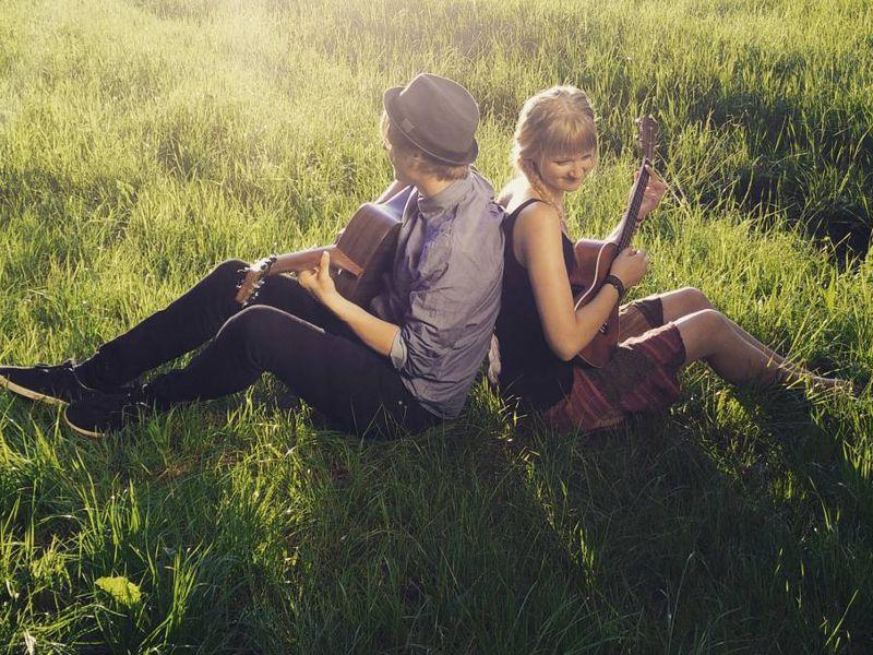 https://www.artcross.at/camp/wp-content/uploads/2013/11/songwriting800x600.jpg